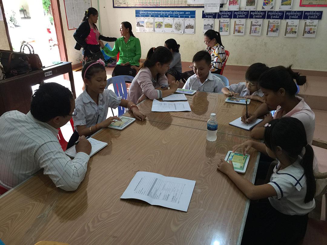 Tablet teaching Cambodia 2
