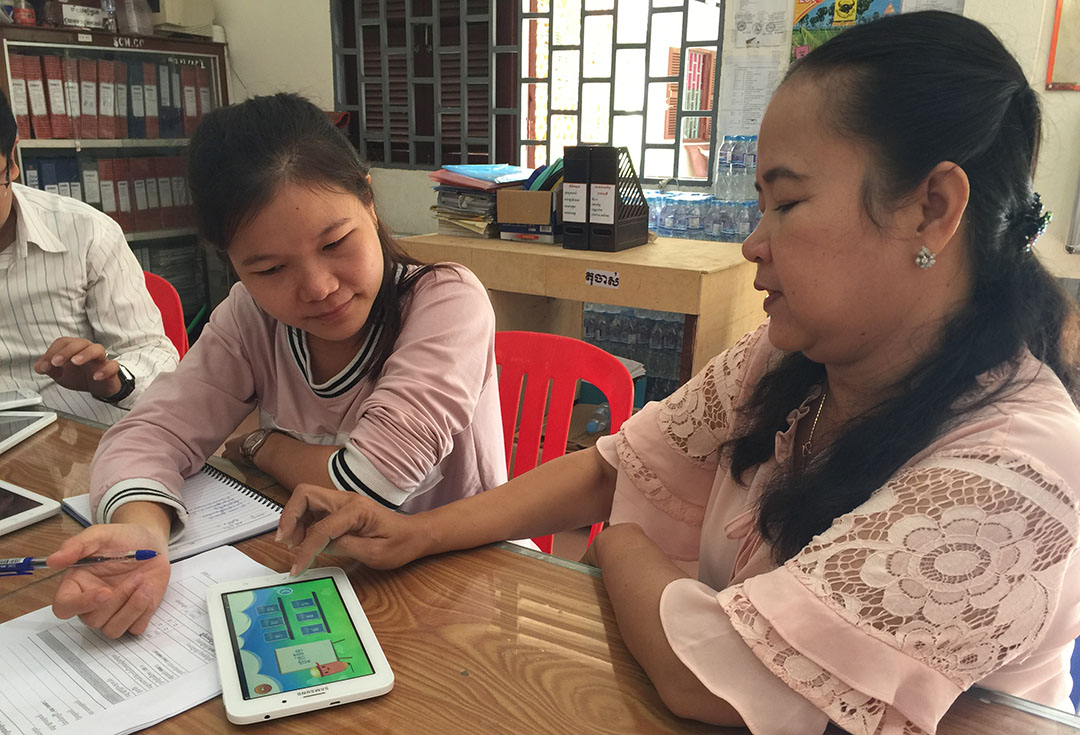 Tablets teaching Cambodia